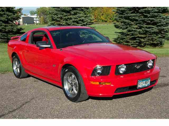 2005 Ford Mustang | 1029988