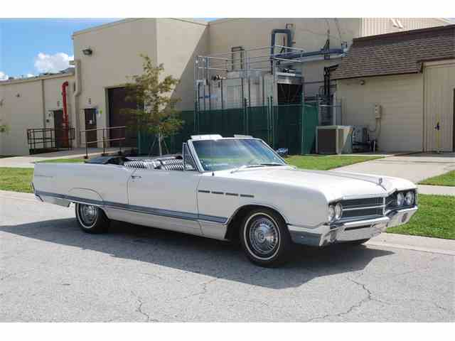 1965 Buick Electra 225 | 1031081