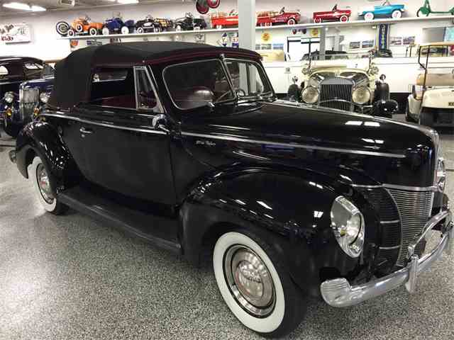 1940 Ford Deluxe | 1031212