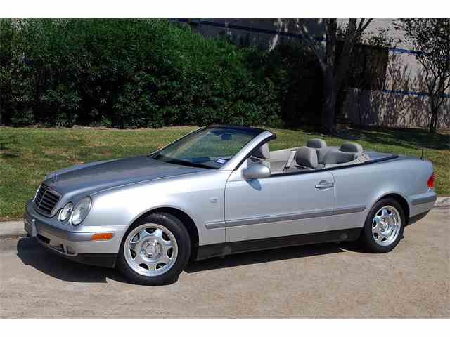 1999 Mercedes-Benz CLK320 | 1031556