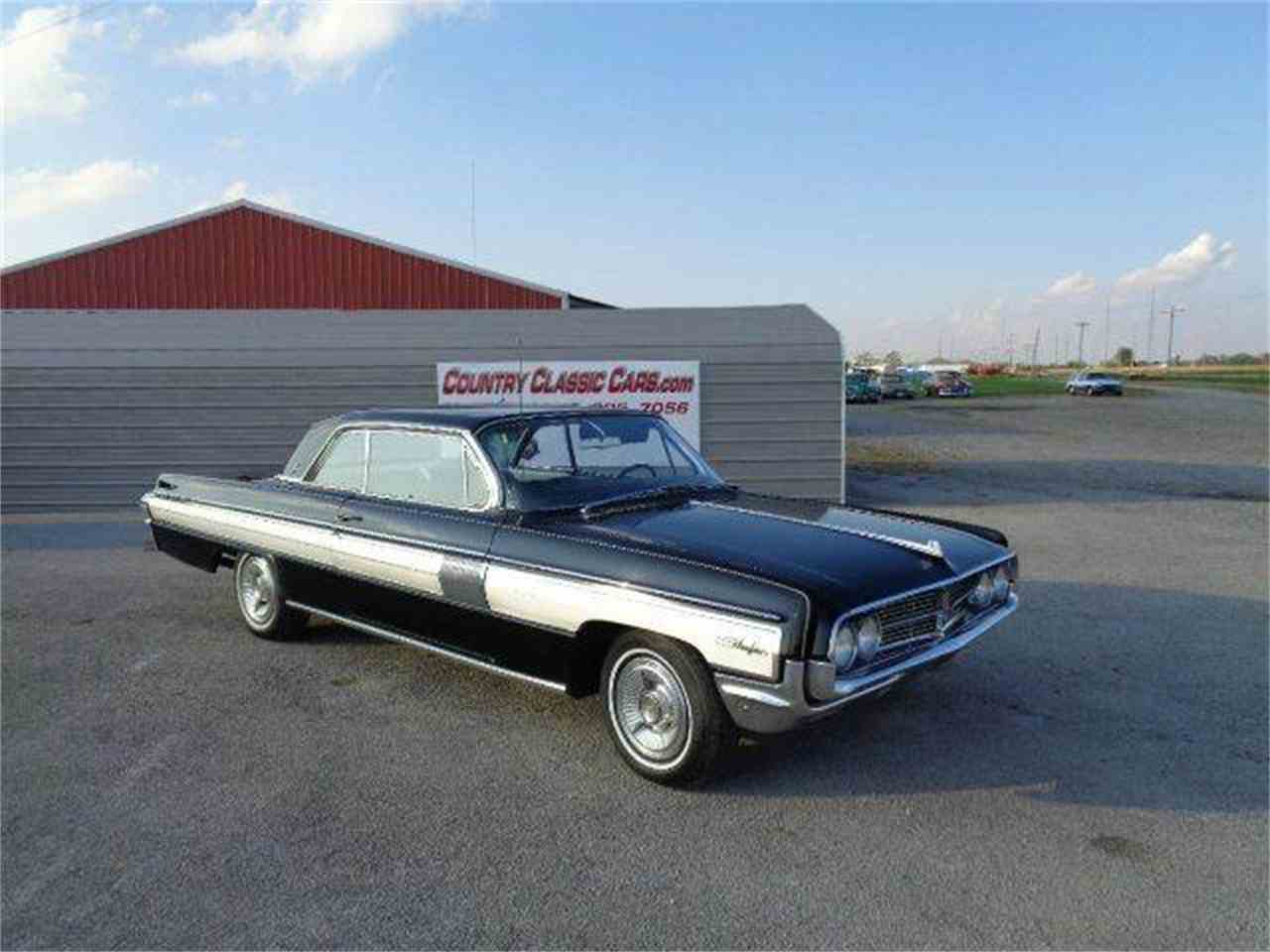 Large Picture of Classic 1962 Starfire located in Illinois Offered by Country Classic Cars - M43D