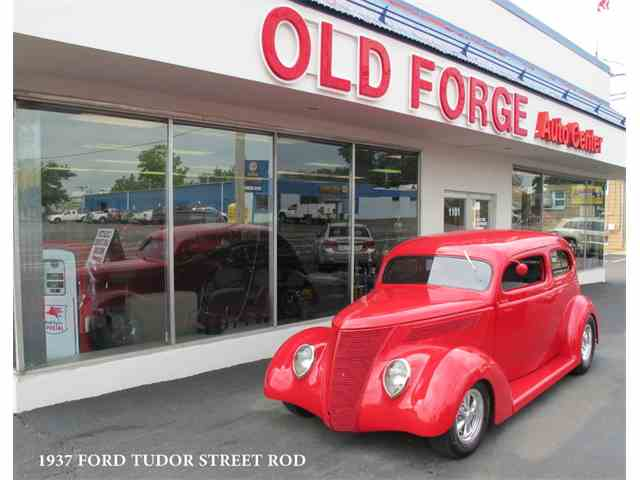 1937 Ford Tudor | 1031823