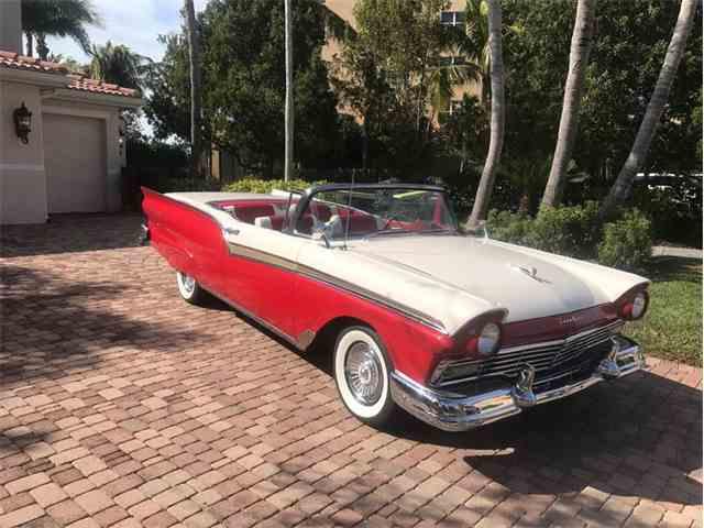 1957 Ford Skyliner | 1031878