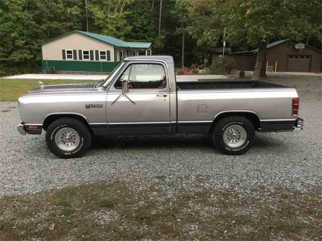 1985 Dodge D150 | 1032119