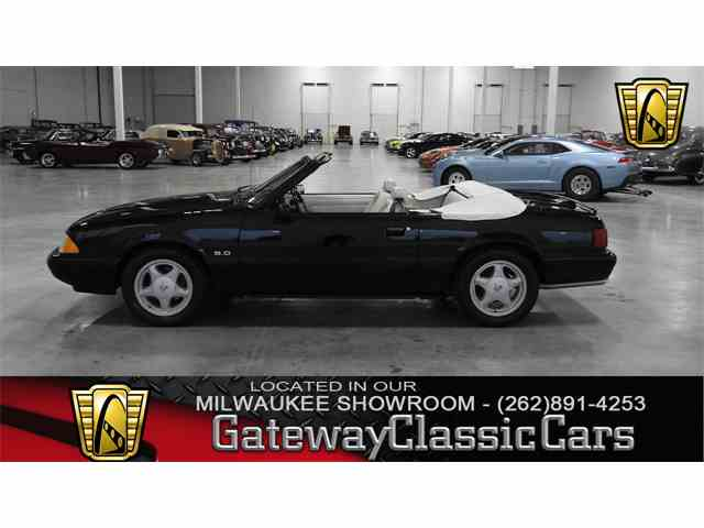 1993 Ford Mustang | 1032136