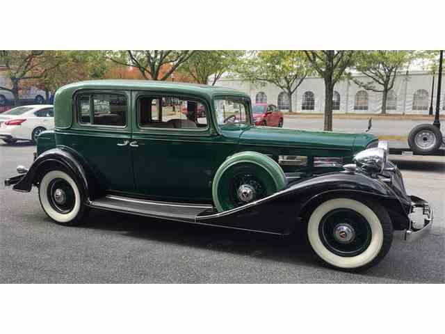 1933 Cadillac V12 | 1032412