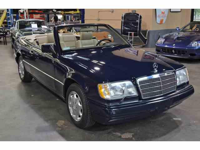 1995 Mercedes-Benz E320 | 1032467