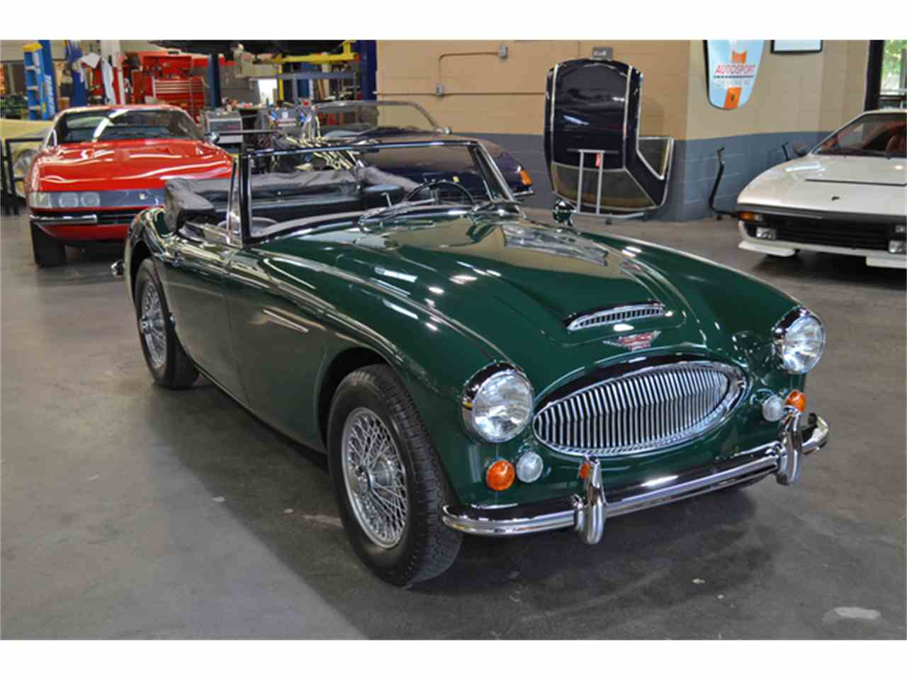 Large Picture of '67 Austin-Healey 3000 Mark III BJ8 located in Huntington Station New York - M4NT