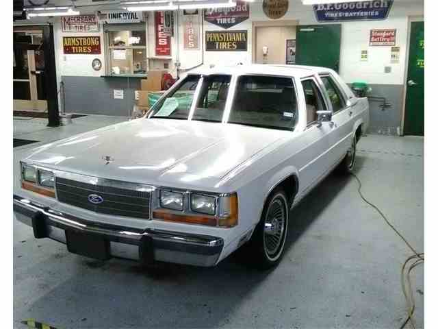 1988 Ford Crown Victoria   1032622