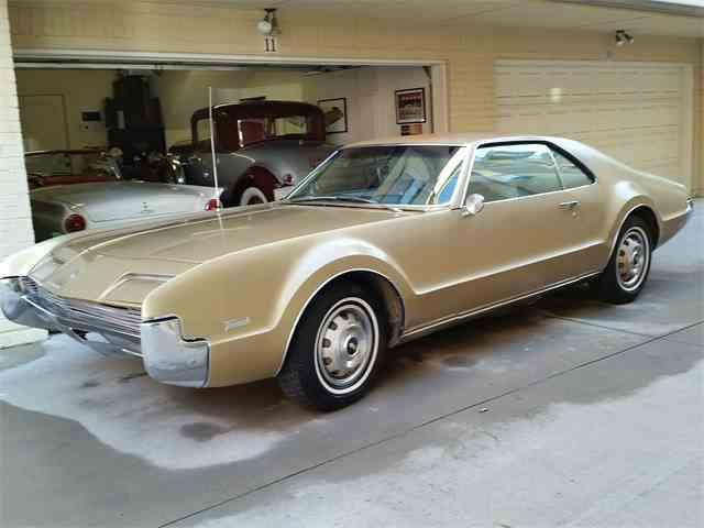 1966 Oldsmobile Toronado | 1032671