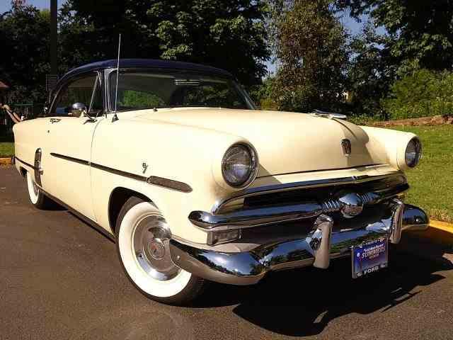 1953 Ford Victoria | 1030289