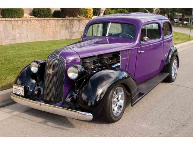 1935 PONTIAC EIGHT SEDAN | 1033102