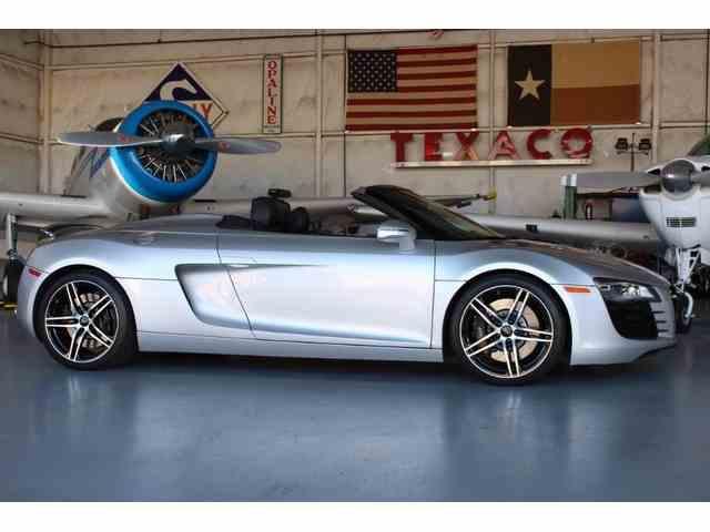 2011 Audi R8 | 1033770