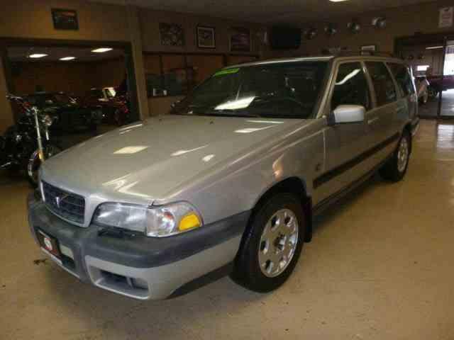 2000 Volvo V70 | 1033843