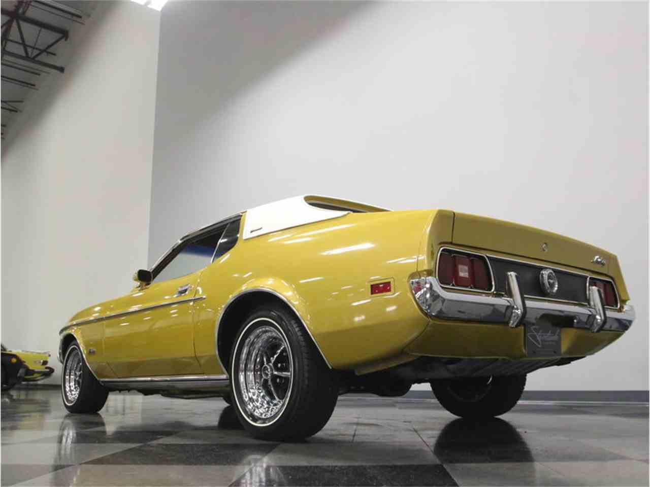 Large Picture of '72 Mustang - M5W7