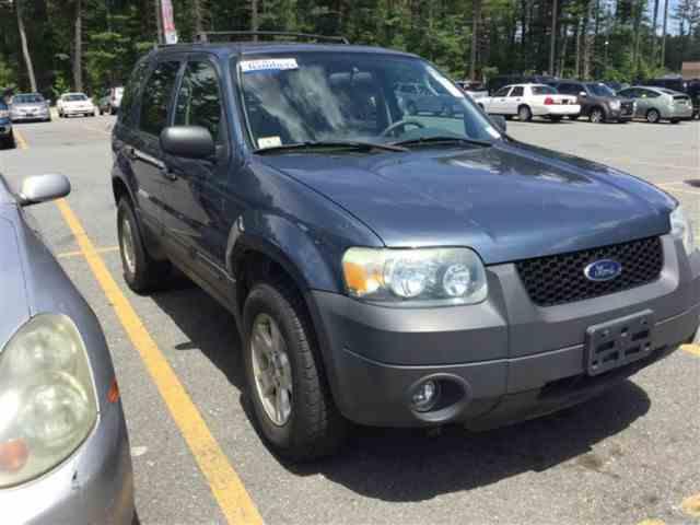 2006 Ford Escape   1034268