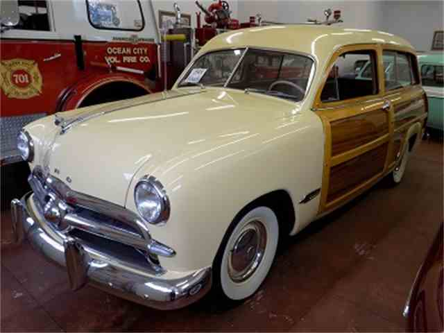 1949 Ford Woody Wagon | 1034435