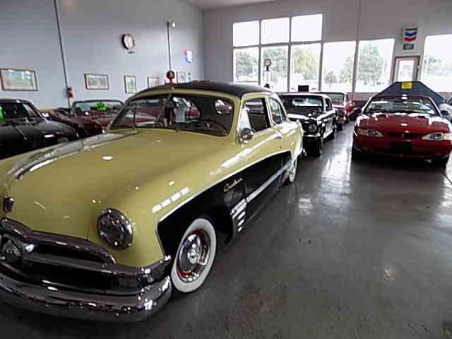 1950 Ford Crestliner   1034436
