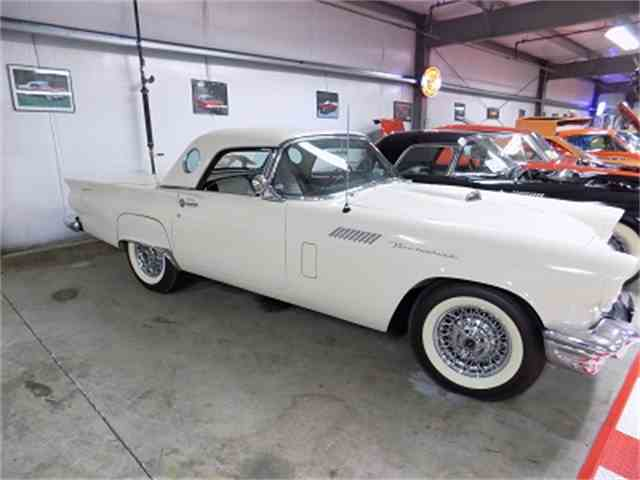 1957 Ford Thunderbird | 1034445