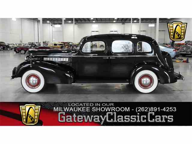 Picture of Classic 1937 Roadmaster located in Kenosha Wisconsin - $19,995.00 Offered by Gateway Classic Cars - Milwaukee - M6QX