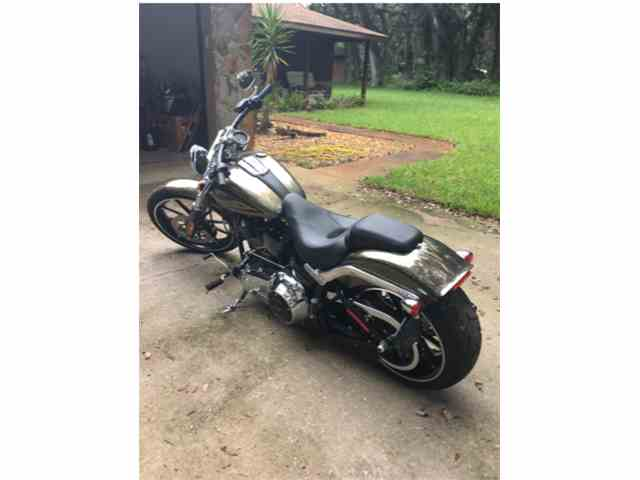 2016 Harley-Davidson Softail Breakout Motorcycle   1035231