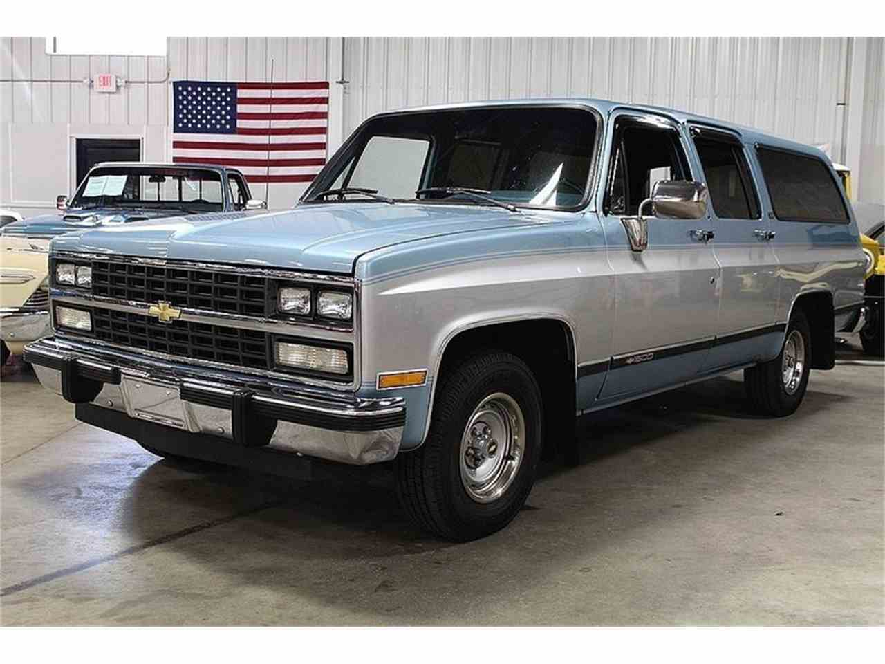 Large Picture of '91 Chevrolet Suburban located in Michigan - $17,900.00 Offered by GR Auto Gallery - M6ZK