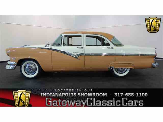 Picture of '56 Ford Fairlane located in Indianapolis Indiana - M7D3