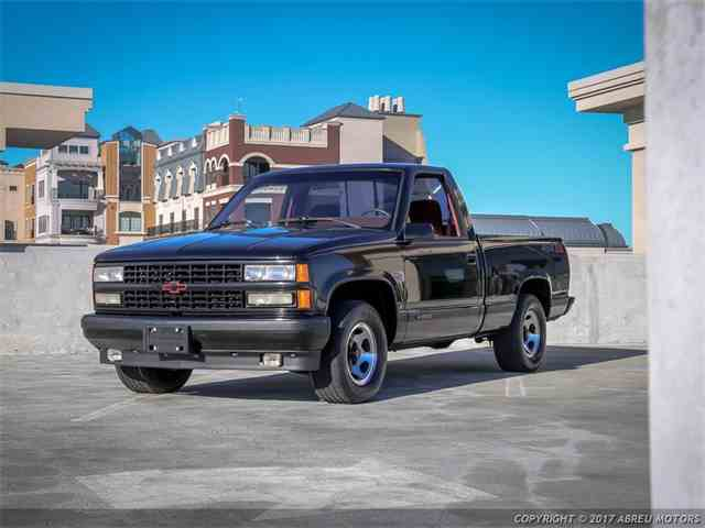 Picture of '90 Chevrolet C/K 1500 located in Carmel Indiana - $17,800.00 - M7FM