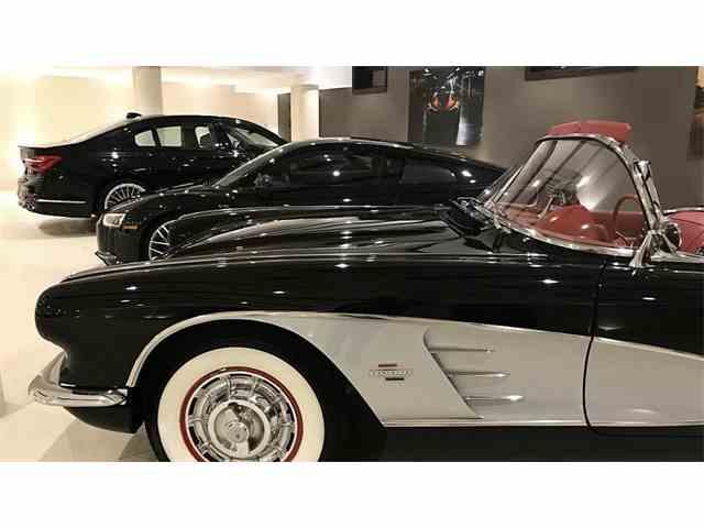1961 Chevrolet Corvette | 1036403