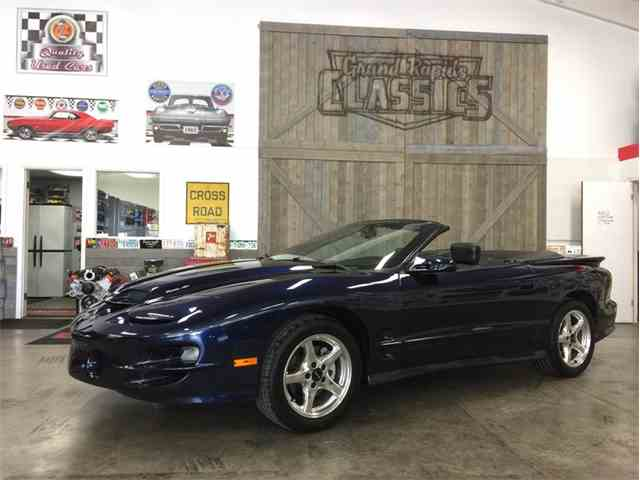 2000 Pontiac Firebird Trans Am | 1036640