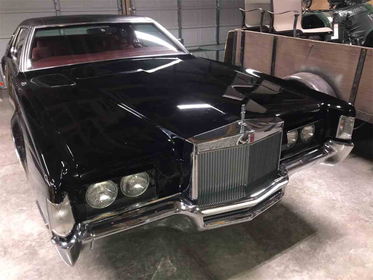 Large Picture of '72 Continental - M7ZR