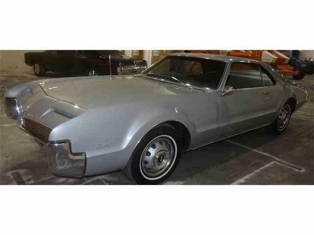 1966 Oldsmobile Toronado | 1037126