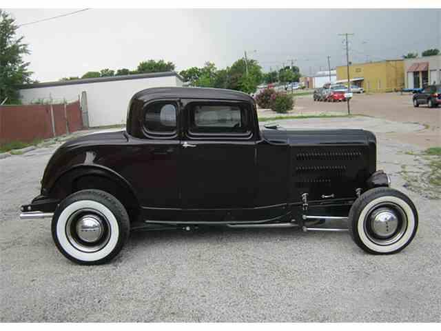 1932 Ford Custom | 1037280