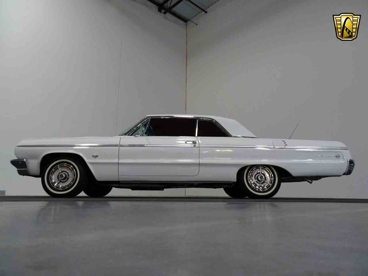 Large Picture of '64 Impala - M8PS