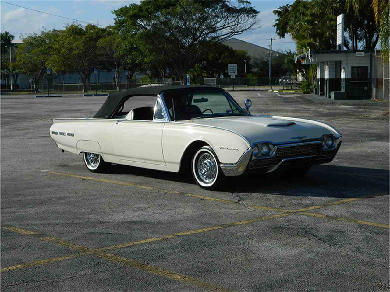 Large Picture of '62 Thunderbird - M8SF