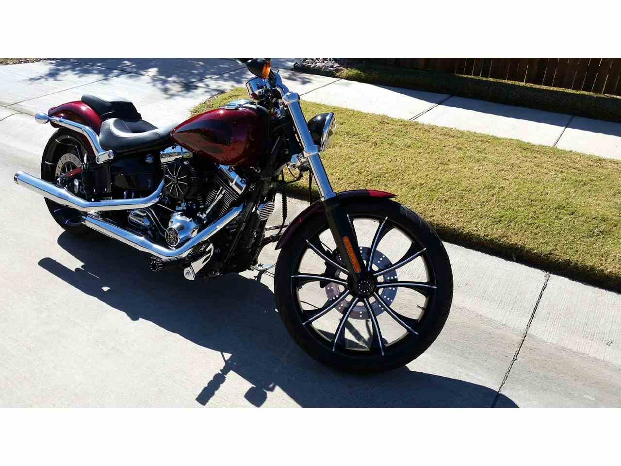Large Picture of '17 Softail - M8WA