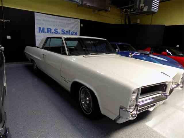 1964 Pontiac Grand Prix   1037982
