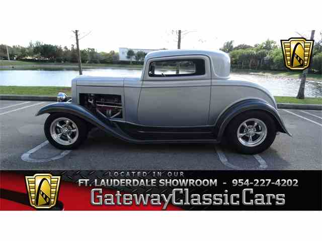 1932 Ford 3-Window Coupe | 1038018