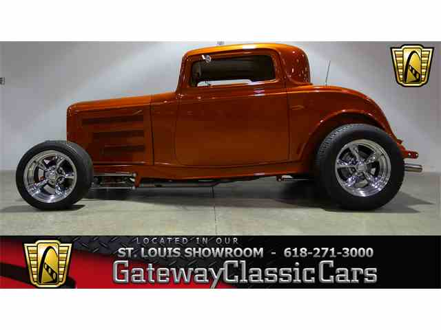 1932 Ford 3-Window Coupe | 1038052
