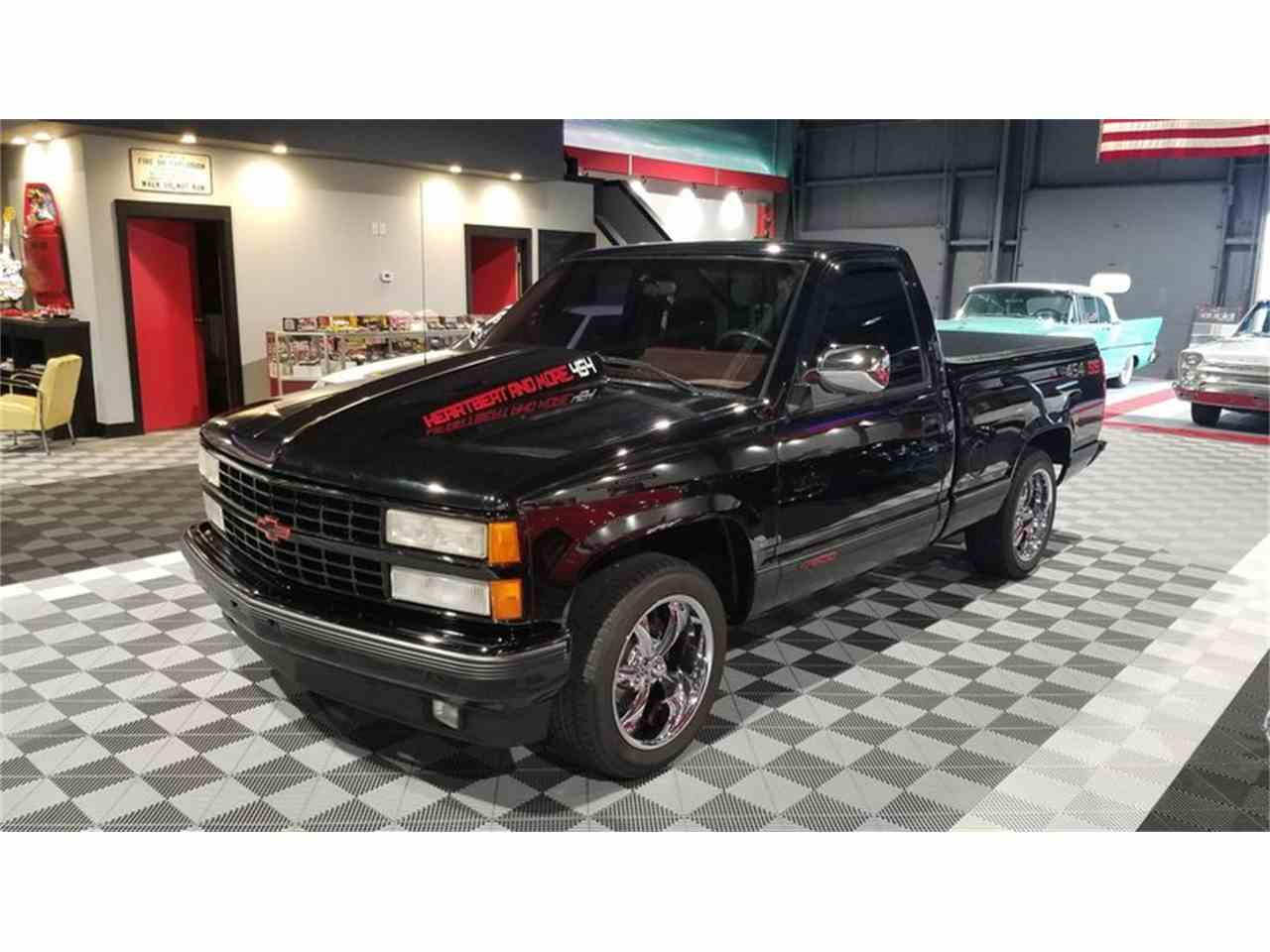 Large Picture of 1990 Chevrolet C/K 1500 located in Indiana Offered by Rock Solid Motorsports - M91U