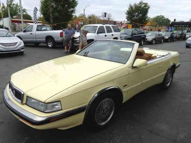 1989 Chrysler TC by Maserati | 1030844