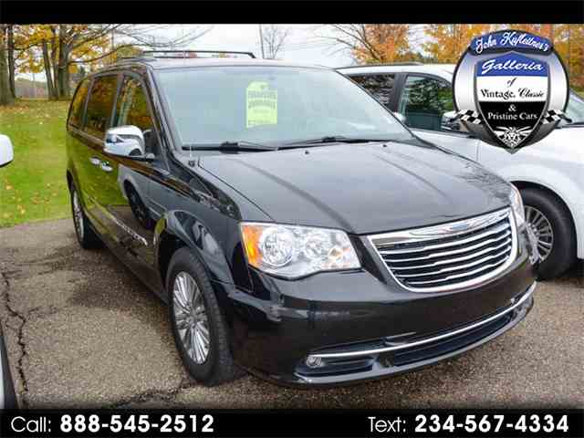 2015 Chrysler Town & Country | 1038497