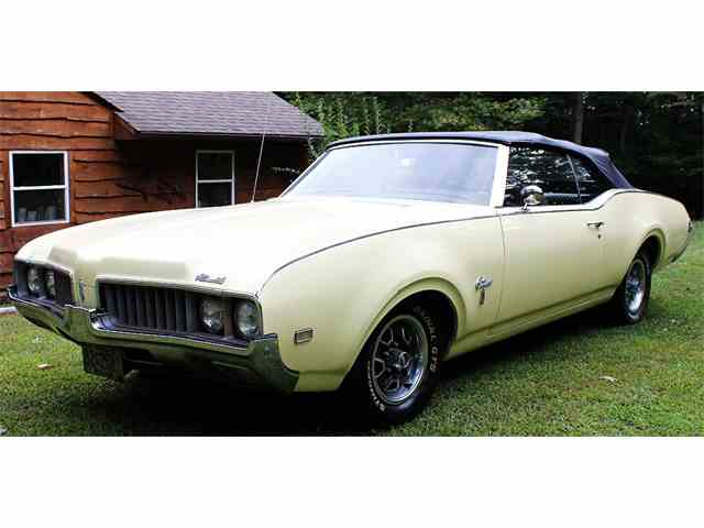 1969 Oldsmobile Cutlass Supreme | 1030853