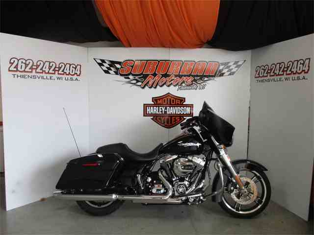 2016 Harley-Davidson® FLHX - Street Glide® | 1038540