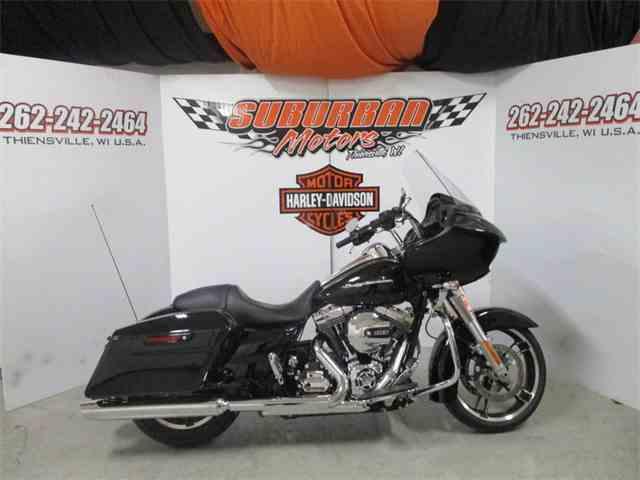 2016 Harley-Davidson® FLTRX - Road Glide®   1038552