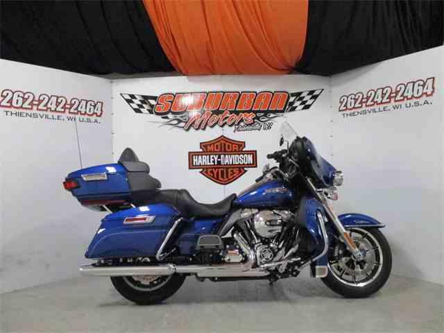 2016 Harley-Davidson® FLHTCU - Electra Glide® Ultra Classic® | 1038641