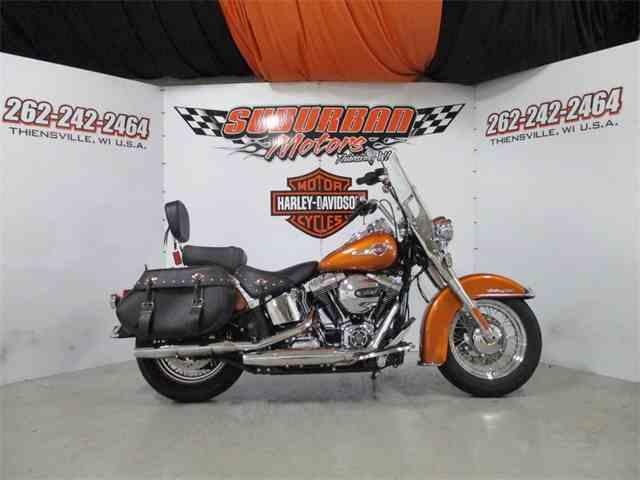 2016 Harley-Davidson® FLSTC - Heritage Softail® Classic | 1038645