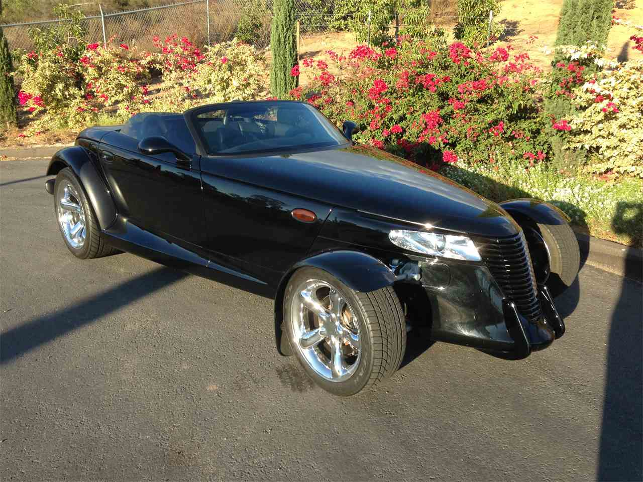 Large Picture of '00 Plymouth Prowler - $28,950.00 - M9JF