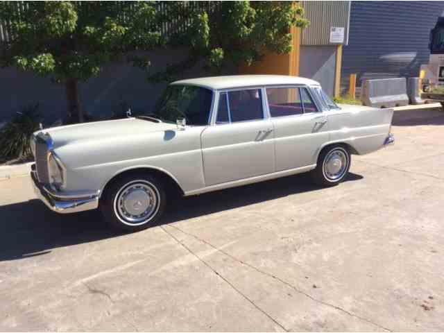 1961 Mercedes-Benz 220SE | 1030895