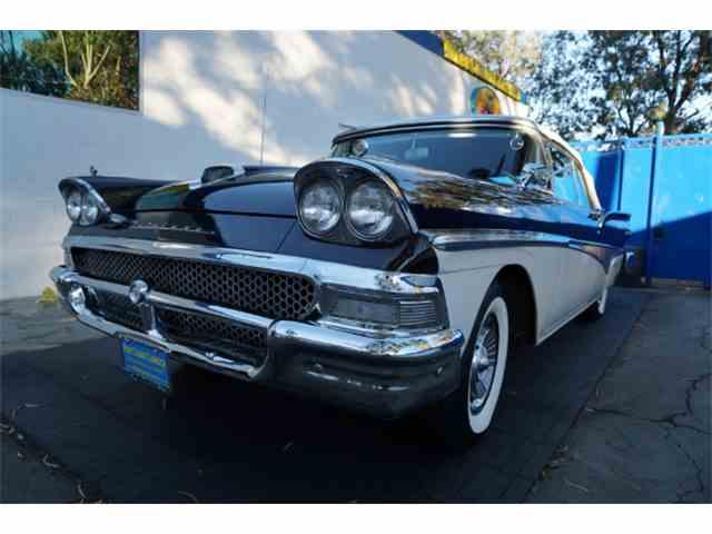 1958 Ford Fairlane 500 | 1039007